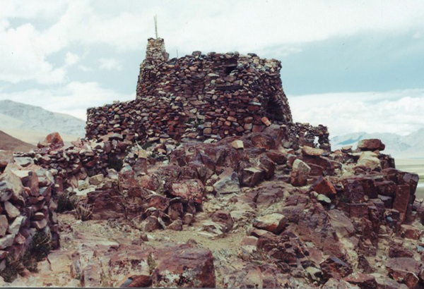 Fig. 1. The Yellow Fortress (rDzong-Ser) at 4720 m above sea level.
