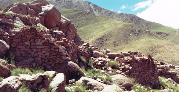 Fig. 2.  This group of ruined all-stone corbelled buildings is one of several complexes belonging to another archaic residential installation at Lake Dangra