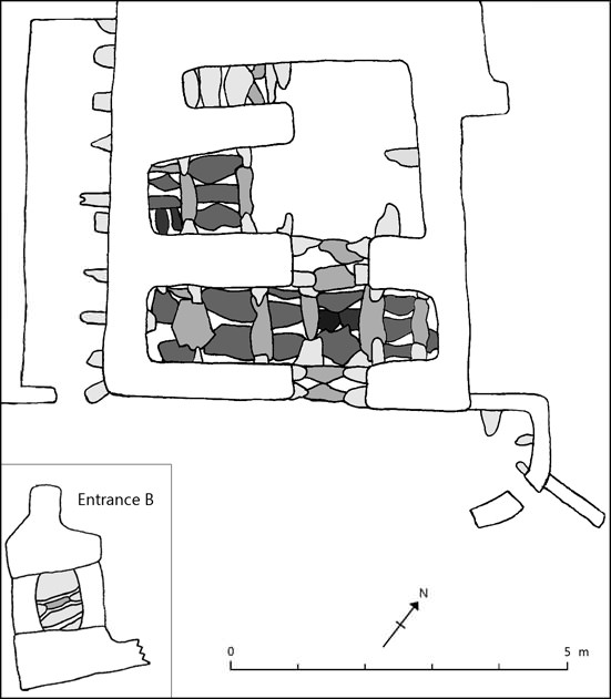 Fig. 9. Plan of the stone roof at Nyarma. Stones are represented as if seen from underneath: stones of a darker color are laid over stones of a lighter color.