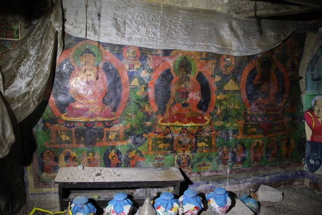 Fig. 18. A wall mural depicting Tonpa Shenrab (sTon-pa gshen-rab) of the three ages in the current Kyisum Labrang. It was probably painted in the late 19th century.