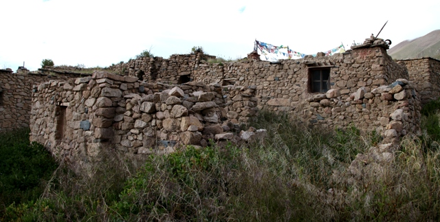 Fig. 5. The central complex of old Kyisum village. The oldest structures are located on the upper left side of the image. The other houses in the photograph were established at a later date, as the oral tradition and the structural evidence indicates.