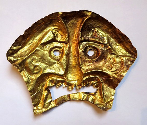 Fig. 2. The reverse side of the same golden burial mask. Private collection.