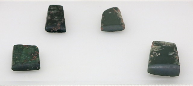 Fig. 24. Jade frows, Kharub, Chamdo. Middle or Late Phase of the Neolithic (5300–4000 BP). Tibet Museum collection.