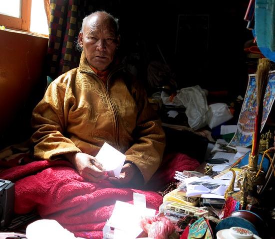 Fig. 1. Lama Orgyen, the jowa of Mani.